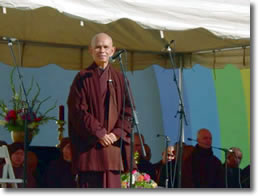 Thich Nhat Hanh speaking in Memphis, TN 2002